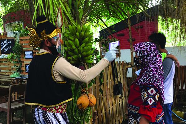 TPS Unik Meriahkan Pilwakot 2020, Bertema Pernikahan Tempo Dulu dan Wayang